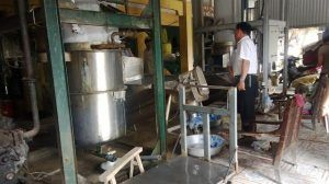 xưởng sx nước đá bẩn